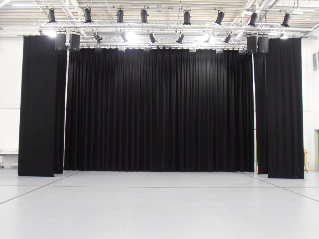 clares-stagecraft-photos-012
